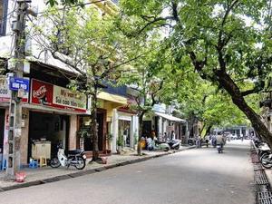 Con phố Hàng Phèn bé nhỏ và cổ kính của Thủ đô