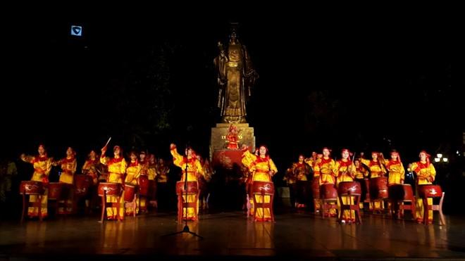 Nghệ thuật cổ truyền, trò chơi dân gian ở phố đi bộ Hà Nội