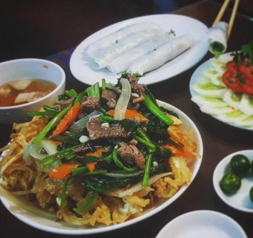 10 con phố nổi danh nhờ món ăn ở Hà Nội