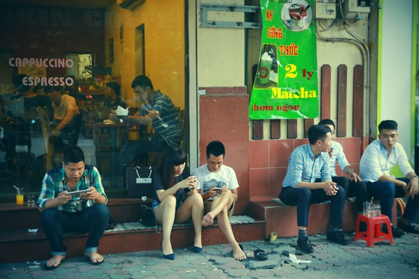 Đến Hà Nội là phải ngồi Tonkin Cafe!