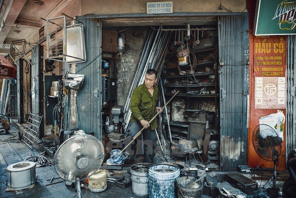 Một ngày của người thợ rèn cuối cùng ở khu phố cổ Hà Nội