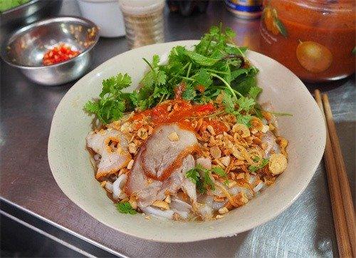 5 món nên thử trong ngõ chợ Đồng Xuân