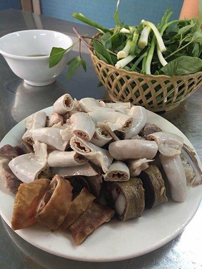 Hàng lòng luộc vừa ngon vừa chiều khách ở Hà Nội