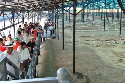 Khu di tích khảo cổ học Hoàng thành Thăng Long