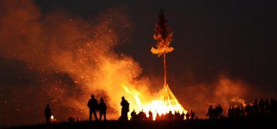Lũ lụt và hỏa hoạn tàn phá Thăng Long thời Trần