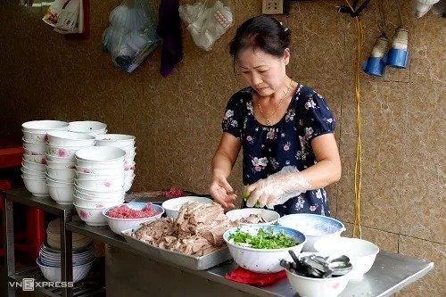 Quán phở truyền thống 80 năm tuổi giữa lòng Hà Nội