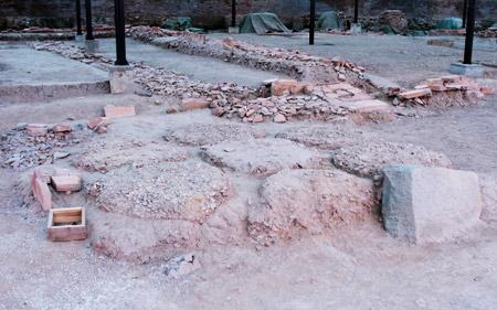 Tầng văn hóa Lý - Trần trong khu khảo cổ 18 Hoàng Diệu