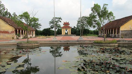 Triệu Việt Vương giải phóng thành Long Biên