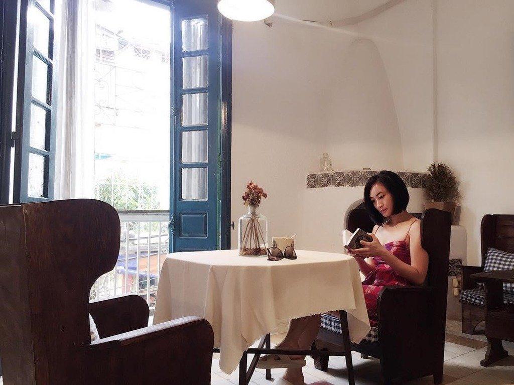 5. Aimee House Phan Huy Chú: Homestay này khá nhỏ, trang trí theo phong cách hoài cổ mà không kém phần hiện đại. Đây có thể không phải một căn nhà cho hội ưa sang chảnh nhưng lại phù hợp với những ai muốn