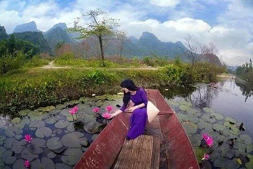 Cuối tuần du khách hãy thử đến suối Yến, thả mình giữa non nước. Ảnh: Cao Anh Tuấn.