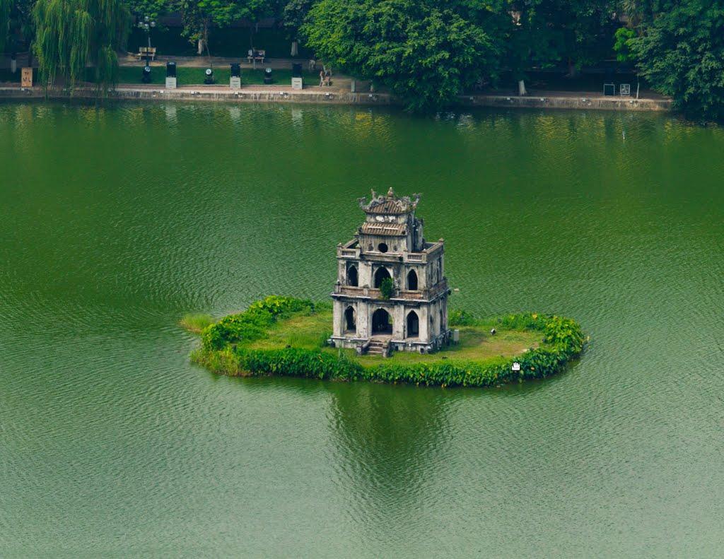 Hồ Gươm điểm tham quan nổi tiếng tại phố cổ Hà Nội