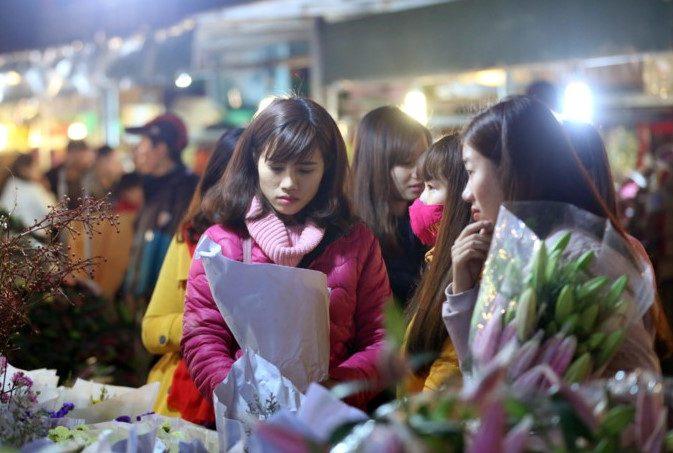 chợ hoa đêm Quảng An